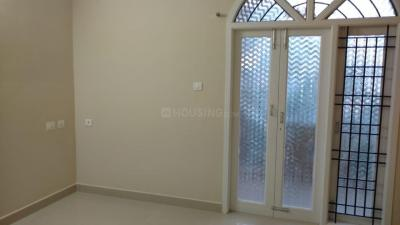 Gallery Cover Image of 2200 Sq.ft 4 BHK Independent Floor for buy in Palavakkam for 16000000