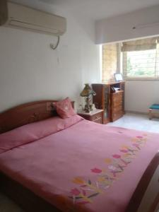 Gallery Cover Image of 2500 Sq.ft 4 BHK Apartment for rent in Ambawadi for 45000
