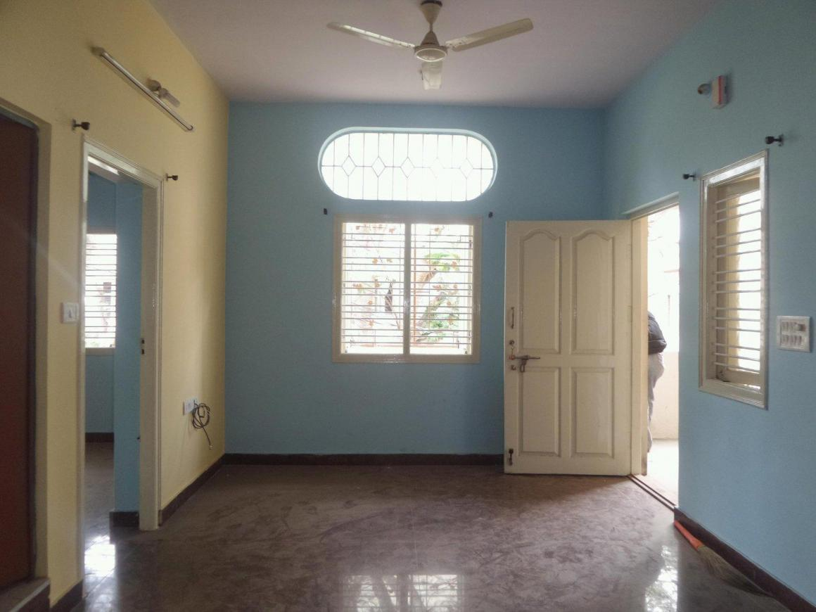 Living Room Image of 1000 Sq.ft 2 BHK Apartment for rent in J. P. Nagar for 15500