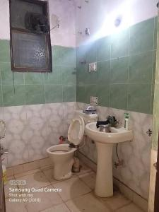Common Bathroom Image of PG 4954374 Khirki Extension in Khirki Extension