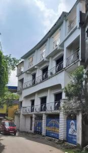 Gallery Cover Image of 4400 Sq.ft 5 BHK Villa for rent in Dum Dum Cantonment for 120000