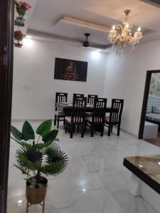 Gallery Cover Image of 1580 Sq.ft 3 BHK Independent Floor for buy in Dhakoli for 4090000