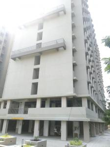 Gallery Cover Image of 1000 Sq.ft 2 BHK Apartment for buy in Savvy Strata, Sarkhej- Okaf for 3400000