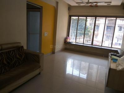 Gallery Cover Image of 825 Sq.ft 2 BHK Independent Floor for rent in Malad East for 34000
