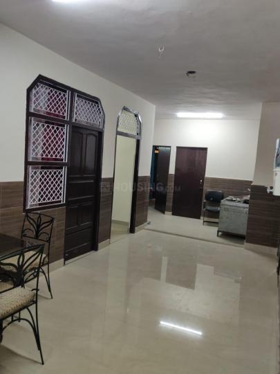 पीतमपुरा में हरी ओम पीजी के हॉल की तस्वीर