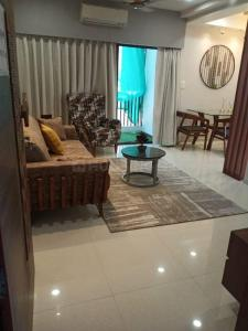 Gallery Cover Image of 760 Sq.ft 2 BHK Apartment for buy in Shree Balaji Sparsh Residency, Bhayli for 2700000