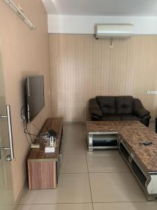 Gallery Cover Image of 1800 Sq.ft 3 BHK Apartment for rent in Prahlad Nagar for 35000