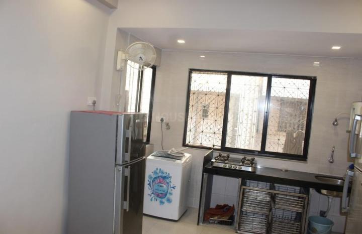 जुहू में बीहेव स्टूडेंट होस्टल फॉर गर्ल्स के किचन की तस्वीर
