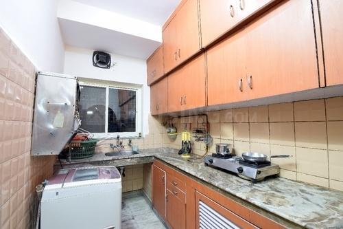 सरिता विहार में अश्वनी सिंह हाउस के किचन की तस्वीर
