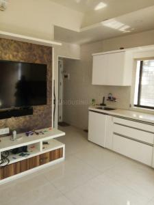 Gallery Cover Image of 650 Sq.ft 1 RK Apartment for rent in Santacruz East for 28000