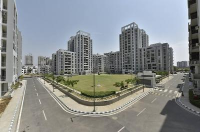 Gallery Cover Image of 1420 Sq.ft 2 BHK Apartment for buy in Vatika Lifestyle Homes, Sector 83 for 7600000