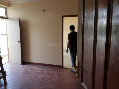 Gallery Cover Image of 1200 Sq.ft 2 BHK Apartment for buy in Qaiserbagh for 3800000