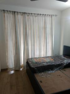 Gallery Cover Image of 1995 Sq.ft 3 BHK Apartment for rent in Sector 92 for 27000