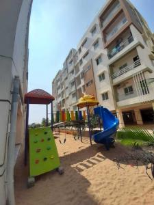 Gallery Cover Image of 1620 Sq.ft 3 BHK Apartment for buy in Gorantla for 5346000