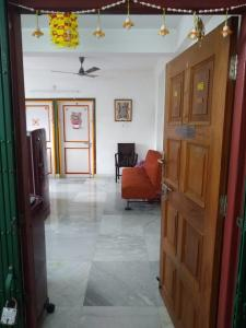 Gallery Cover Image of 815 Sq.ft 2 BHK Apartment for buy in Parul Apartment, Baguiati for 2600000