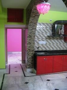 Gallery Cover Image of 850 Sq.ft 2 BHK Apartment for rent in Agarpara for 11000