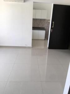 Gallery Cover Image of 590 Sq.ft 1 BHK Apartment for rent in Malad East for 33000