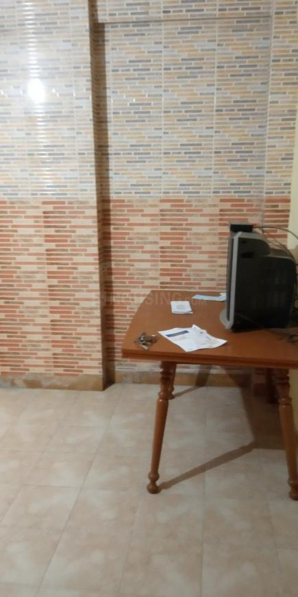Living Room Image of 630 Sq.ft 1 BHK Apartment for rent in Andheri East for 30000