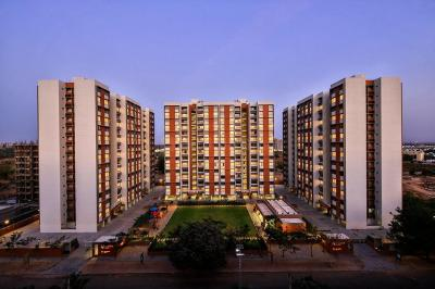 Gallery Cover Image of 698 Sq.ft 2 BHK Apartment for rent in Shela for 15000