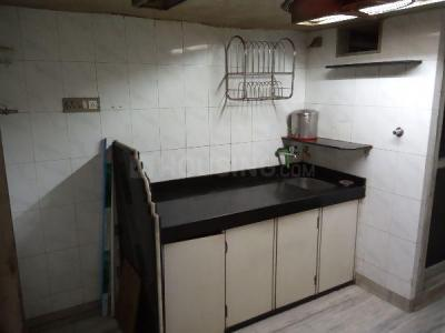 Gallery Cover Image of 280 Sq.ft 1 RK Apartment for rent in Dadar East for 19000