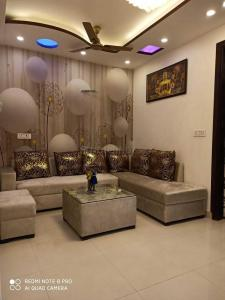 Gallery Cover Image of 590 Sq.ft 2 BHK Apartment for buy in Dwarka Mor for 3200000