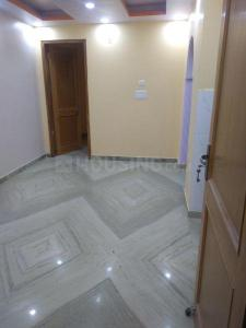 Gallery Cover Image of 500 Sq.ft 1 BHK Independent Floor for rent in Dwarka Mor for 11000