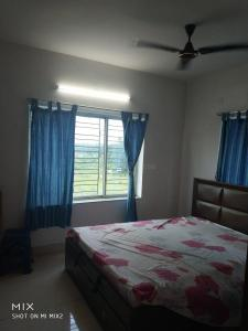 Gallery Cover Image of 1310 Sq.ft 3 BHK Apartment for rent in New Town for 15000