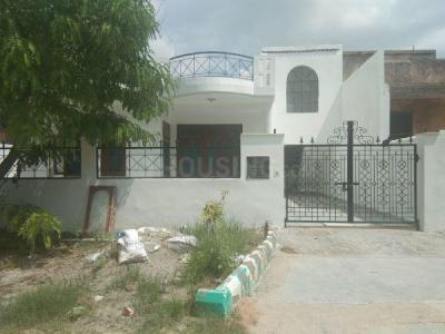 Gallery Cover Image of 2765 Sq.ft 4 BHK Independent House for rent in Phi III Greater Noida for 17000