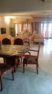 Gallery Cover Image of 1900 Sq.ft 3 BHK Apartment for rent in Benson Town for 50000