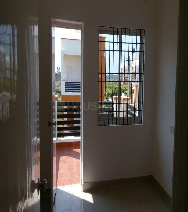 Passage Image of 1600 Sq.ft 3 BHK Independent House for buy in NRI Center City for 5700000