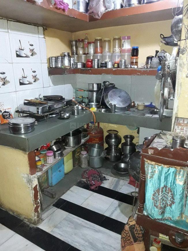 Kitchen Image of 480 Sq.ft 2 BHK Apartment for buy in Chhatribagh for 1500000