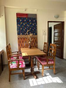 Gallery Cover Image of 1562 Sq.ft 3 BHK Apartment for rent in Jodhpur Park for 32000