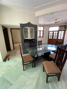 Gallery Cover Image of 1600 Sq.ft 3 BHK Apartment for rent in Rajasthan Apartments, Sector 4 Dwarka for 27000