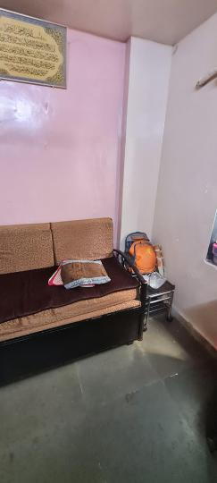 Living Room Image of 280 Sq.ft 1 BHK Independent House for rent in Bandra East for 20000