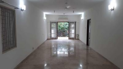 Gallery Cover Image of 3800 Sq.ft 4 BHK Independent House for rent in Neelankarai for 110000