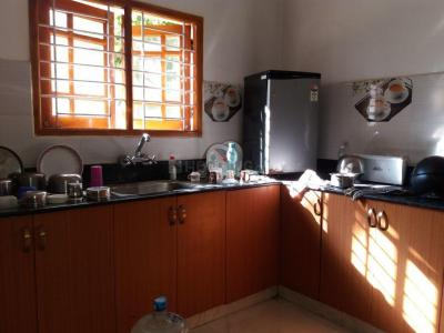 Gallery Cover Image of 1100 Sq.ft 2 BHK Independent House for rent in Choolaimedu for 21000