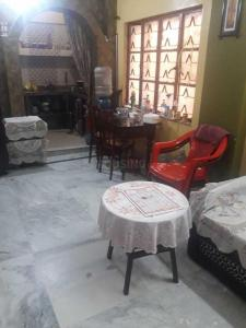 Gallery Cover Image of 680 Sq.ft 2 BHK Apartment for rent in Lake Town for 13000