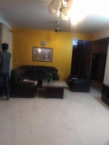 Gallery Cover Image of 2100 Sq.ft 3 BHK Apartment for rent in Omega II Greater Noida for 25000