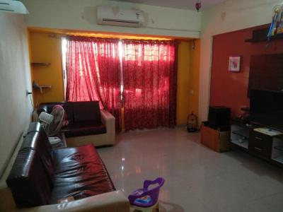 Gallery Cover Image of 1020 Sq.ft 2 BHK Apartment for buy in Malad West for 15000000