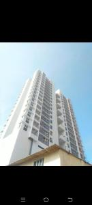 Gallery Cover Image of 1050 Sq.ft 2 BHK Apartment for rent in SD The Lumiere, Andheri West for 55000