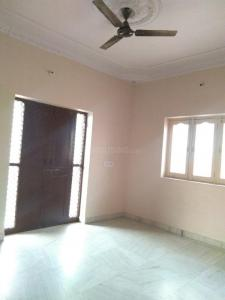 Gallery Cover Image of 1200 Sq.ft 2 BHK Independent Floor for rent in Khema-Ka-Kuwa for 9000