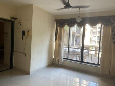 Gallery Cover Image of 555 Sq.ft 1 BHK Apartment for rent in Kandivali East for 25000
