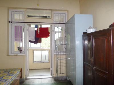Gallery Cover Image of 700 Sq.ft 1 BHK Apartment for buy in angre niwas, Matunga East for 20000000