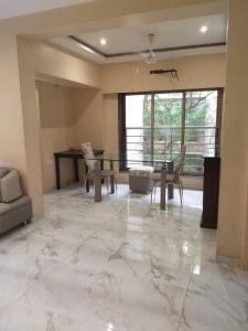 Gallery Cover Image of 1050 Sq.ft 2 BHK Apartment for rent in Juhu for 90000