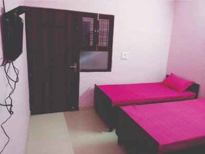 Gallery Cover Image of 1200 Sq.ft 1 RK Independent Floor for rent in Sector 62 for 6500