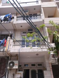 Gallery Cover Image of 1400 Sq.ft 3 BHK Independent House for rent in Sector 6 Rohini for 26000