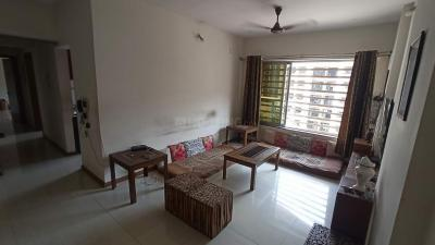 Gallery Cover Image of 950 Sq.ft 2 BHK Apartment for buy in Tropical Lagoon Complex, Kasarvadavali, Thane West for 13500000