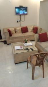 Gallery Cover Image of 1250 Sq.ft 2 BHK Apartment for rent in DLF Pink Town House, DLF Phase 3 for 20000