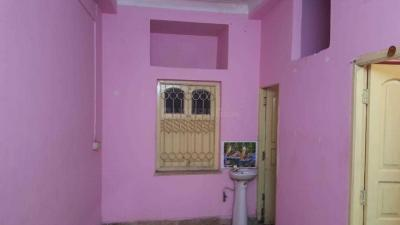 Gallery Cover Image of 800 Sq.ft 2 BHK Independent Floor for rent in Lake Town for 18000