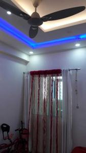 Gallery Cover Image of 1400 Sq.ft 3 BHK Apartment for buy in VVIP Addresses, Raj Nagar Extension for 5700000